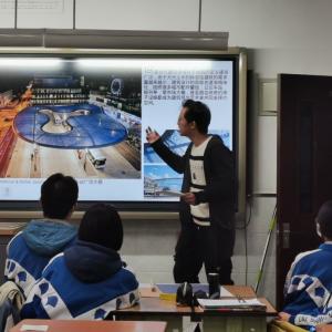 ▲小老师:BJTU+团队建筑组许嘉艺