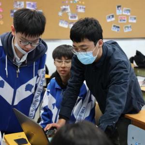 ▲小老师:BJTU+团队项目经理王鹏飞