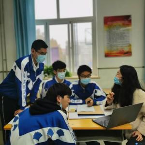 ▲小老师:BJTU+团队建筑组长刘媛卉