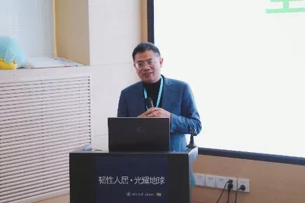 中国建筑设计研究院有限公司副总建筑师仲继寿教授